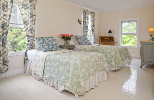 Toile Twin Bedroom at Thimble Island House